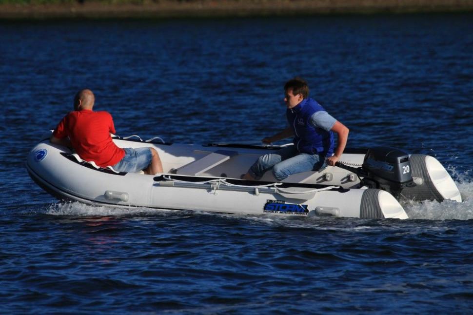 Лодка РИБ Stormline Extra 400